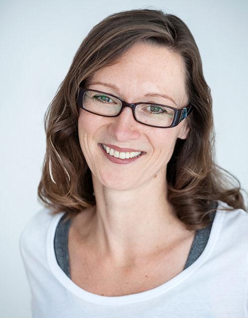 Dr.Claudia Schoeninger